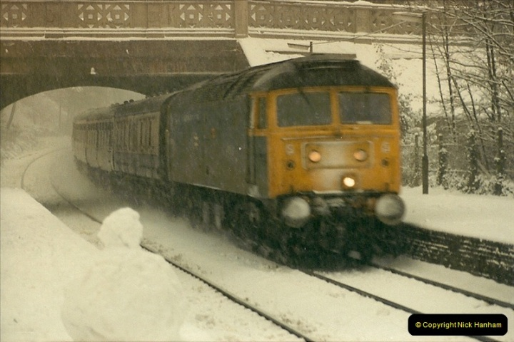 1985-01-18 Parkstone, Poole, Dorset.  (8)203