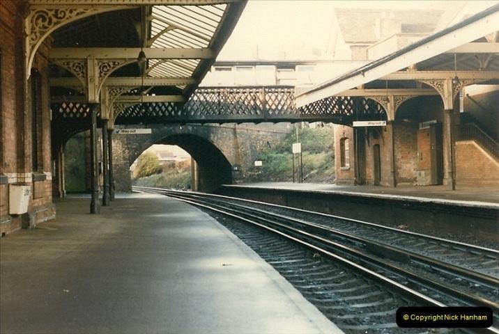 1985-12-07 Branksome, Poole, Dorset.  (13)283