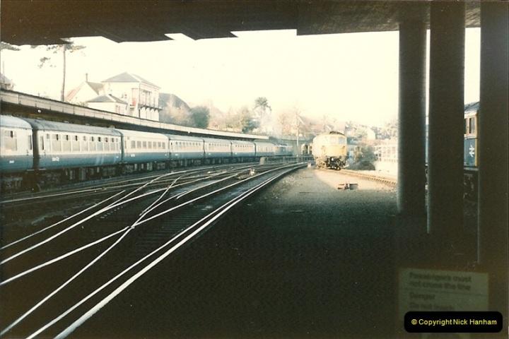 1985-12-24 Bournemouth, Dorset.  (0)322