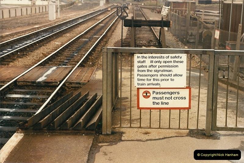 1986-04-13 Poole, Dorset.  (6)0135