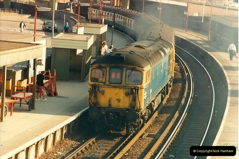 1987-04-13 Poole, Dorset.  (8)0276