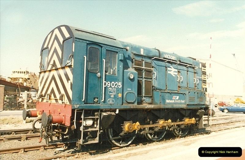 1987-10-16 Poole Quay, Poole, Dorset.  (3)0372