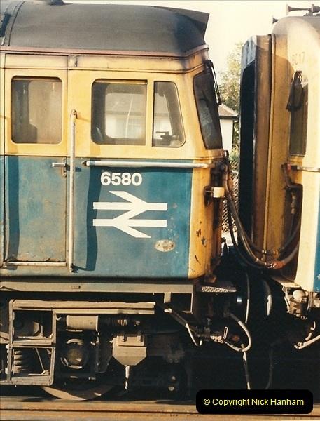 1987-10-19 Parkstone, Poole, Dorset.  (3)0375