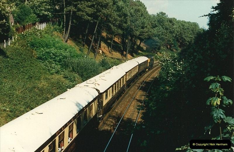 1987-10-29 Parkstone, Poole, Dorset.  (3)0397