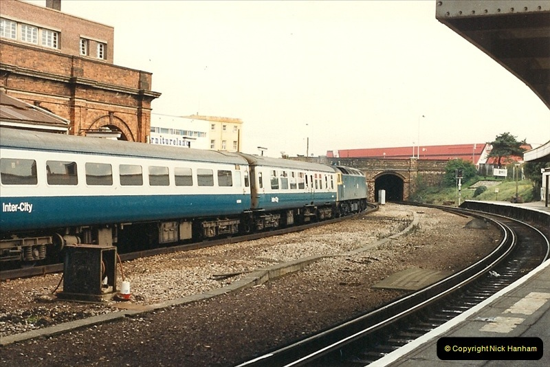 1987-11-01 Bournemouth, Dorset.  (4)0405