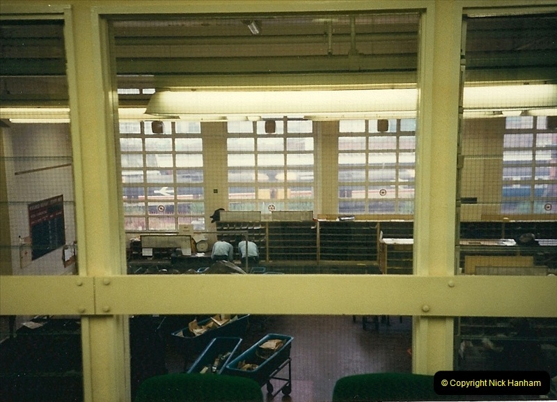 1988-10-20 View of Bournemouth station from my office inside the Station Sorting Office.0672