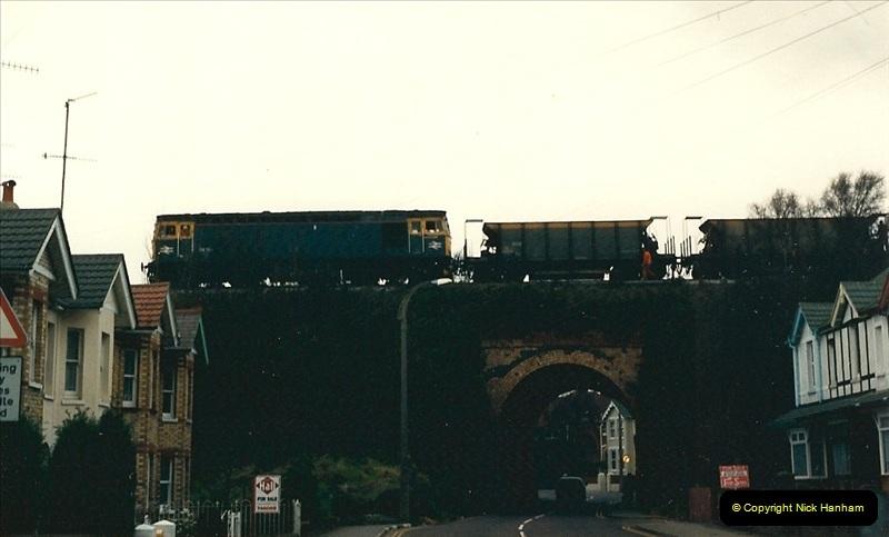 1988-12-14 Repair work to site of accident @ Parkstone, Dorset.  (4)0695