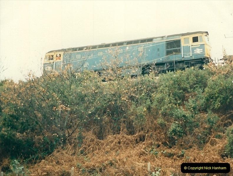 1988-12-14 Repair work to site of accident @ Parkstone, Dorset.  (5)0696