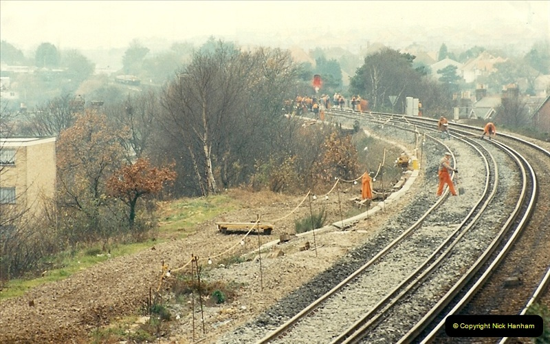 1988-12-14 Repair work to site of accident @ Parkstone, Dorset.  (7)0698