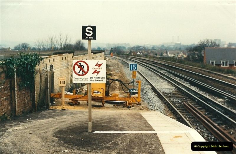 1988-12-14 Repair work to site of accident @ Parkstone, Dorset.  (10)0701