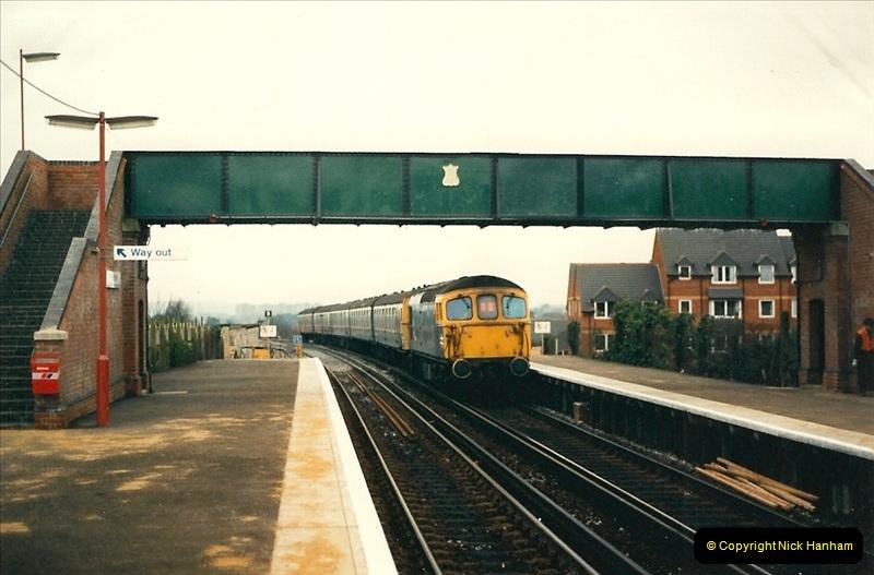 1988-12-14 Repair work to site of accident @ Parkstone, Dorset.  (13)0704