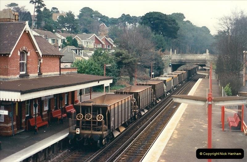 1988-12-15 Repair work @ Parkstone, Dorset.  (3)0711