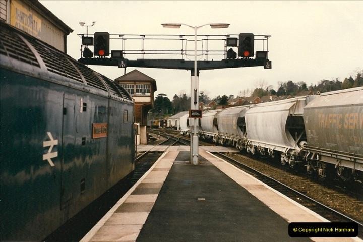 1986-04-28 Exeter St. Davids, Exeter, Devon.  (2)0162