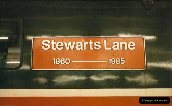 1986-06-07 Victoria Station, London.  (5)0176