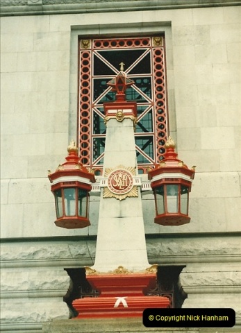 1986-06-07 Waterloo Station, London.  (1)0179