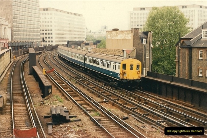 1986-06-07 Waterloo Station, London.  (4)0182