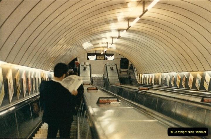 1986-06-07 Waterloo Station, London. Waterloo & City Line.  (5)0183