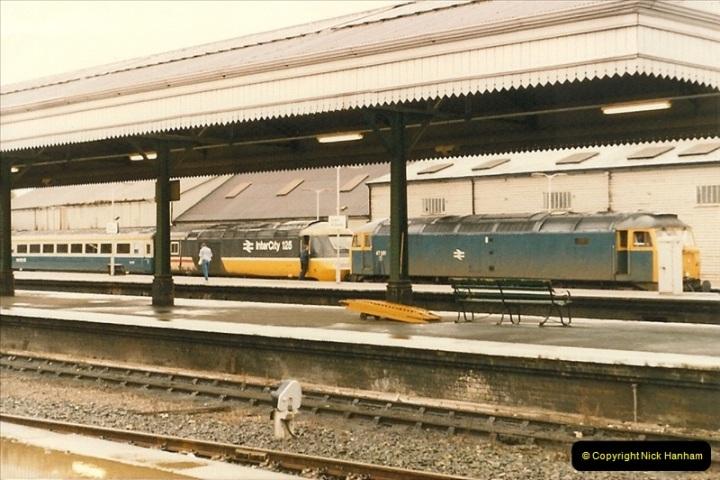 1986-10-27 Exeter St. Davids, Devon.  (4)0297