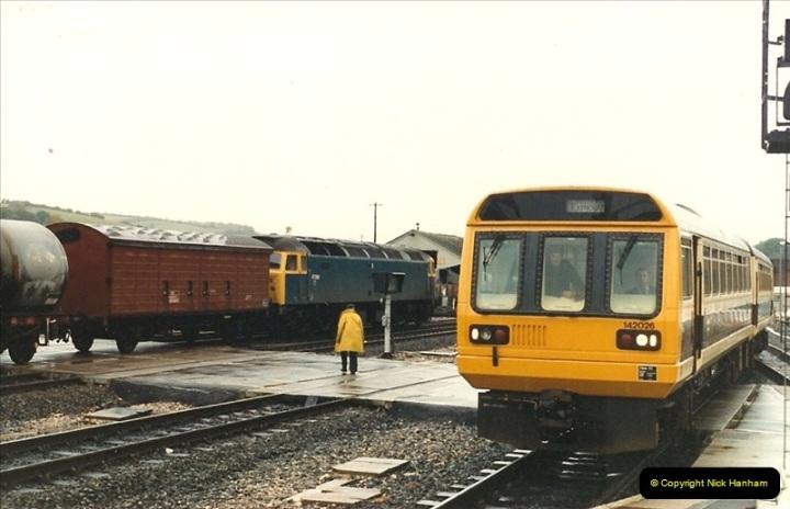 1986-10-27 Exeter St. Davids, Devon.  (6)0299