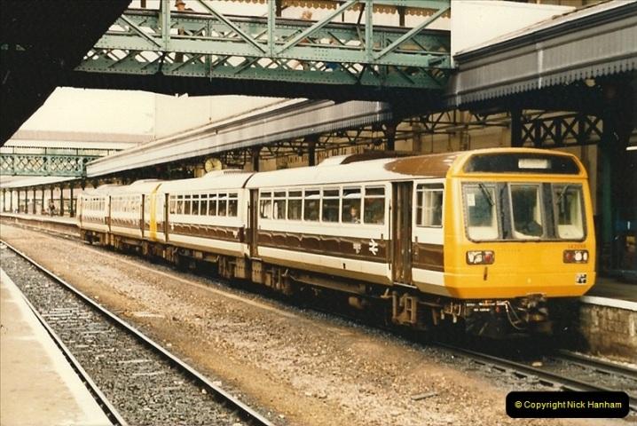 1986-10-27 Exeter St. Davids, Devon.  (8)0301