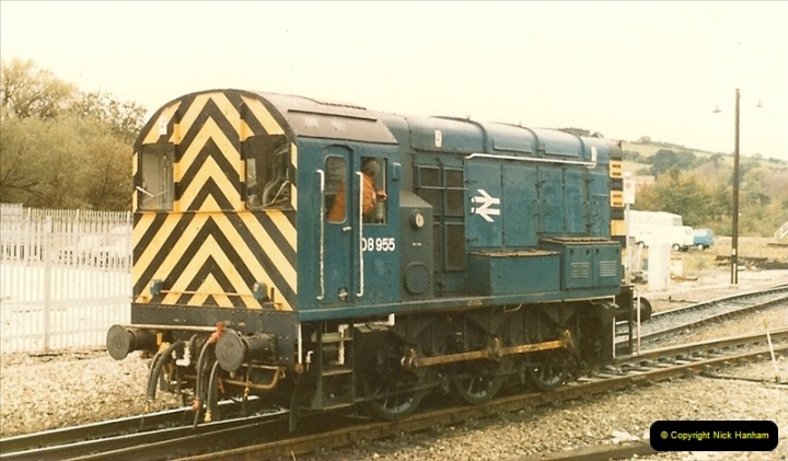 1986-10-27 Exeter St. Davids, Devon.  (9)0302