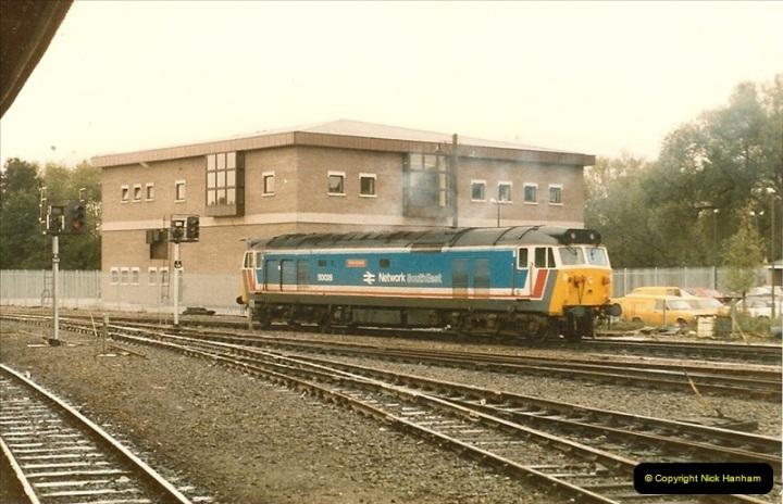 1986-10-27 Exeter St. Davids, Devon.  (12)0305