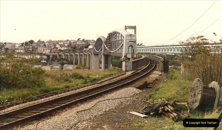 1986-10-29 The Royal Albert Bridge, Saltash, Devon.  (1)0335