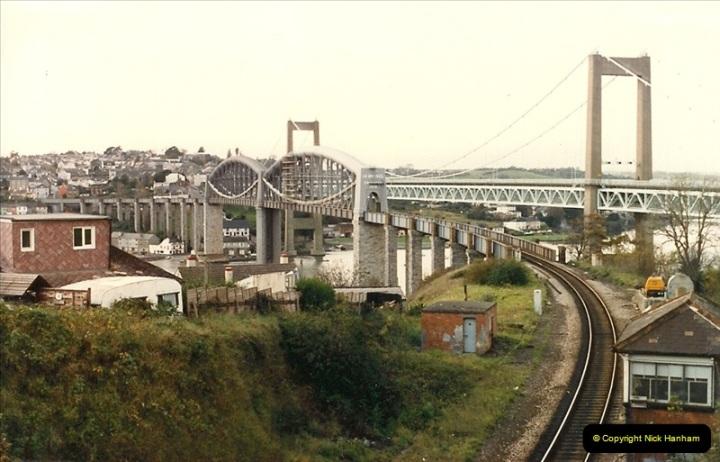 1986-10-29 The Royal Albert Bridge, Saltash, Devon.  (3)0337