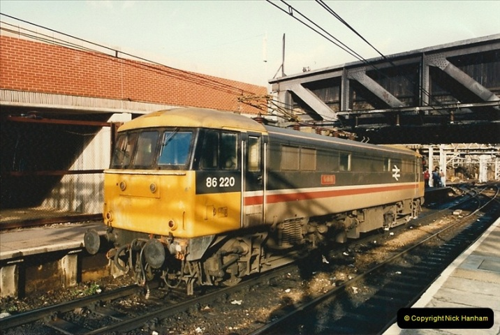 1986-11-22 Liverpoole Street Station, London.  (8)0359