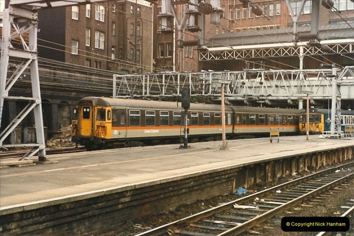 1986-11-22 Liverpoole Street Station, London.  (12)0363