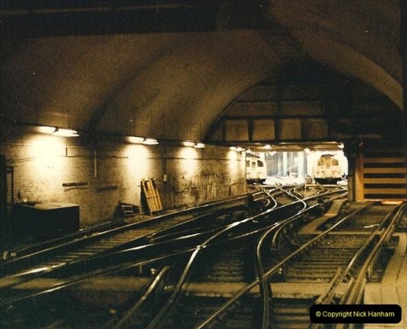 1986-11-22 Waterloo Station, London. (13)0382