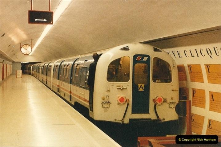 1986-11-22 Waterloo Station, London. (15)0384