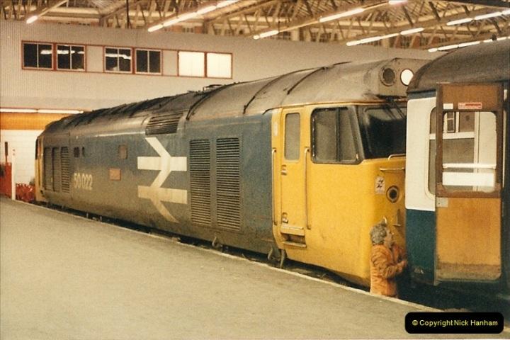 1986-11-22 Waterloo Station, London. (16)0385