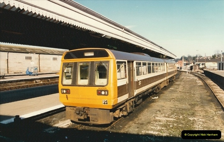 1987-02-21 Exeter St. Davids, Devon.  (1)0392