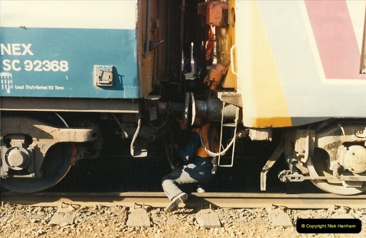 1987-02-21 Exeter St. Davids, Devon.  (2)0393