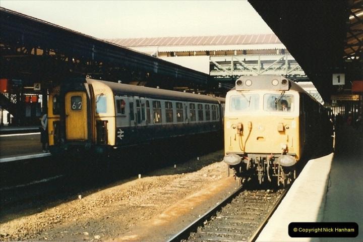 1987-02-21 Exeter St. Davids, Devon.  (8)0399