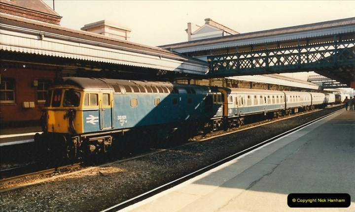 1987-02-21 Exeter St. Davids, Devon.  (9)0400