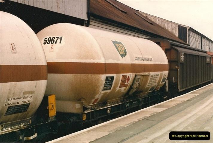 1987-02-23 Exeter St. Davids, Exeter, Devon.  (18)0446