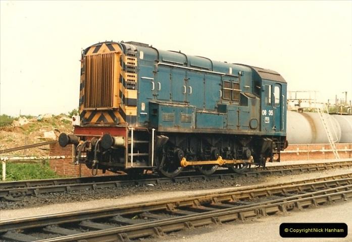 1987-05-03 Westbury, Wiltshire.  (12)0566