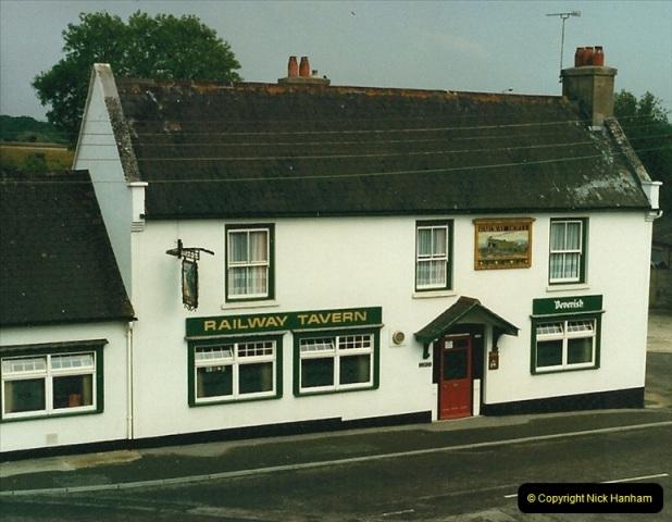 1987-06-01 Wareham, Dorset.  (3)0581