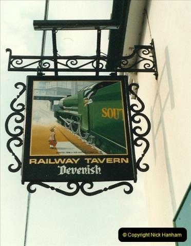 1987-06-01 Wareham, Dorset.  (4)0582