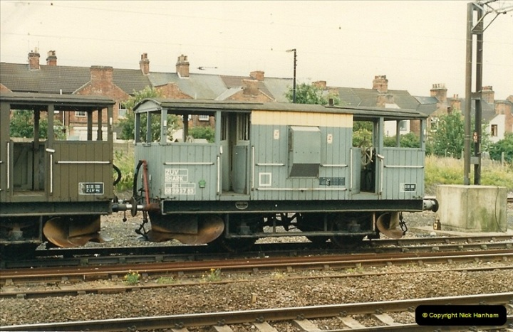 1987-07-12 to 15 Rugby, Warwickshire.  (3)0592