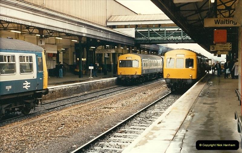 1989-02-25 Exeter St. Davids, Exeter, Devon.  (25)0136