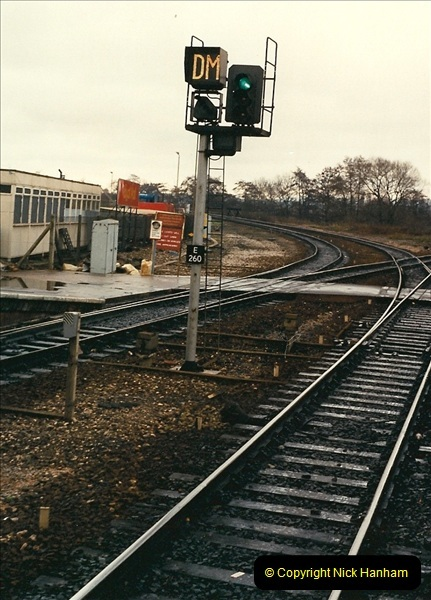 1989-02-25 Exeter St. Davids, Exeter, Devon.  (26)0137