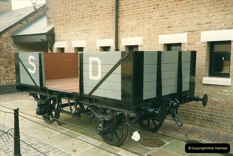 1989-04-14 The National Waterways Museum, Gloucester Docks, Gloucester, Gloucestershire.  (1)0229