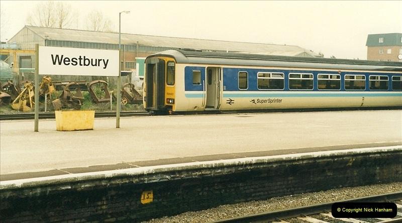 1989-04-17 Westbury, Wiltshire.  (3)0272