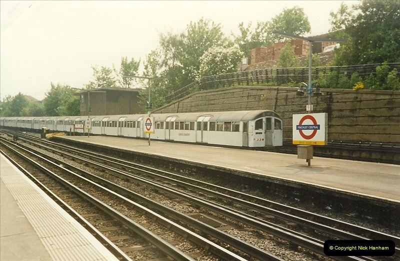 1989-05-20 Finchley Central. Northern Line, London.  (1)0288