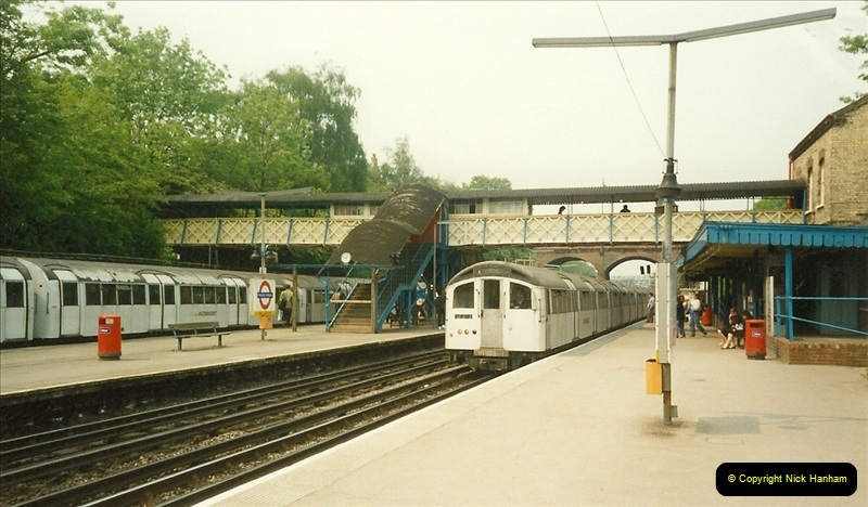 1989-05-20 Finchley Central. Northern Line, London.  (3)0290