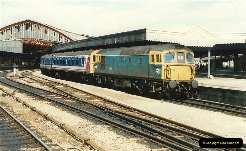 1989-08-19 Bristol Temple Meads, Bristol.  (17)0385