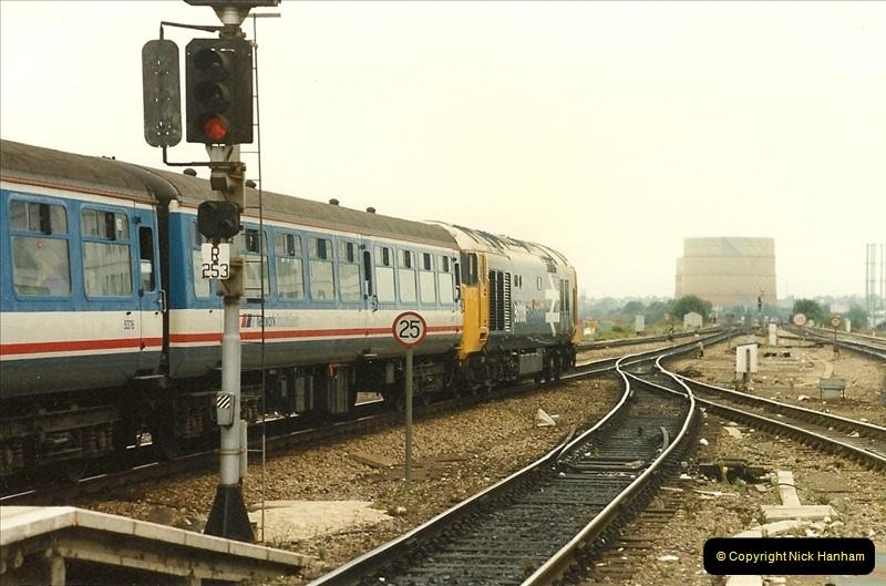 1989-09-30 Reading, Berkshire.  (1)0498